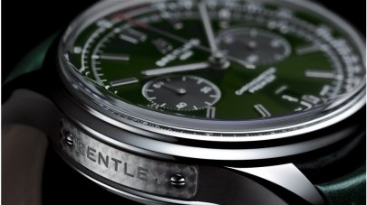 05_premier-b01-chronograph-42-bentley-british-racing-green-with-a-british-racing-green-leather-strap